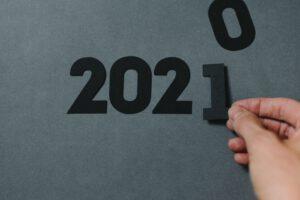 Christoph Vogt Finanzberatung formuliert seine Erwartungen an das Jahr 2021 für Geldanleger. Christoph Vogt sagt mit der Zahl 2021 was er an den Finanzmärkten im Jahr 2021 erwartet. Geldanlage Vermögensverwaltung bleiben spannend. Schwerpunkt bleibt China und Asien.
