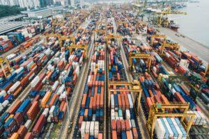 Container im Hafen Christoph Vogt Geldanlage und Vermögensverwaltung mit Investmentfonds
